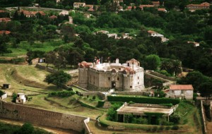 крепость Сен-Тропе, построенная в 17 веке